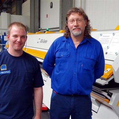 Machine operators Andre Gratzfeld and Hans-Georg Haschke