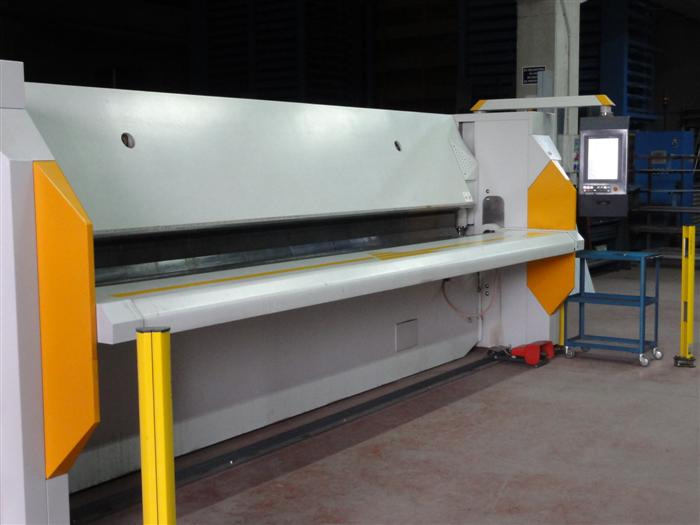 The RAS GIGAbend at Tecnic Metal Listes in Spain