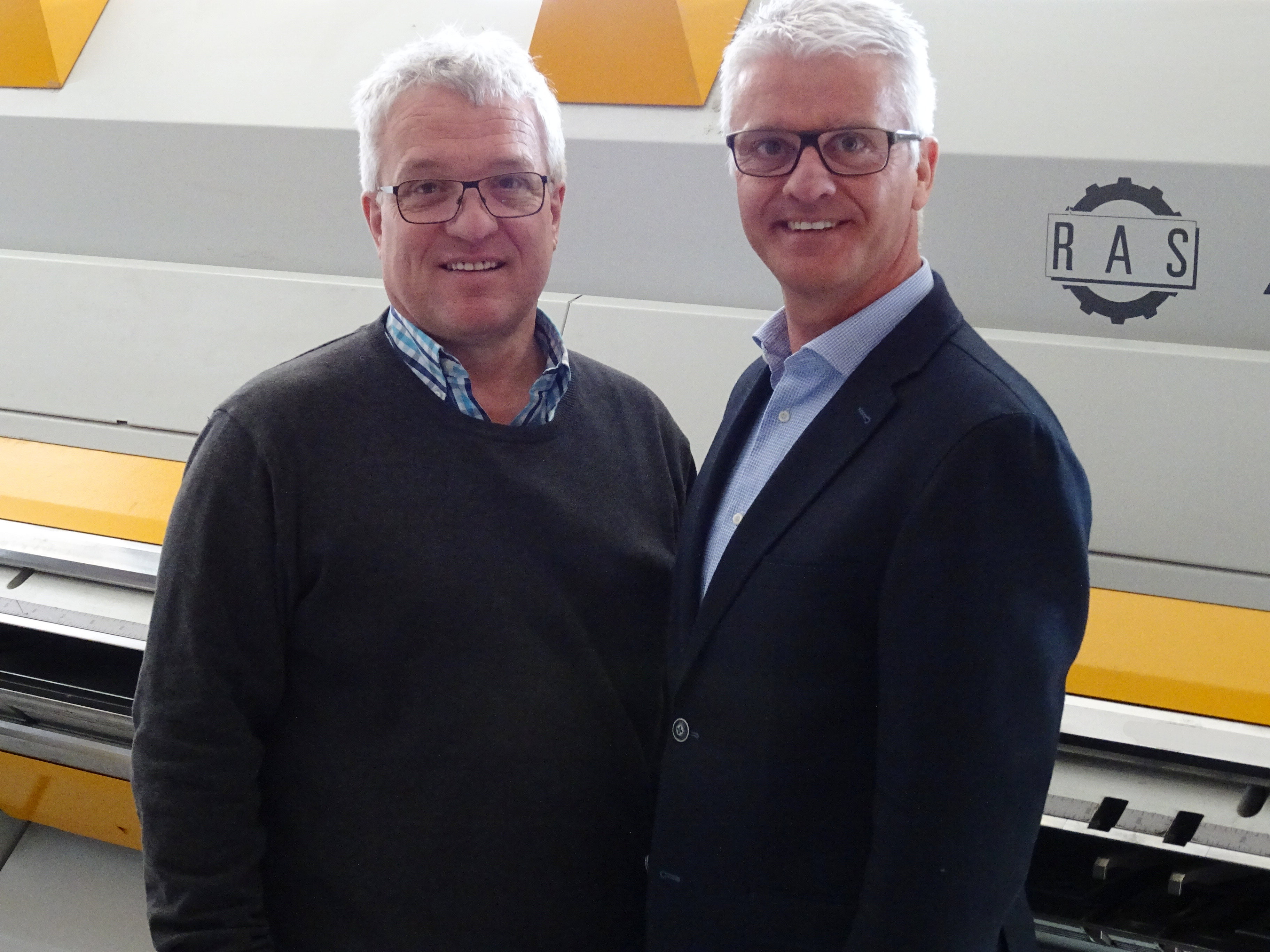 Manfred Baldauf together with RAS CEO Willy Stahl in front of the XL-Center
