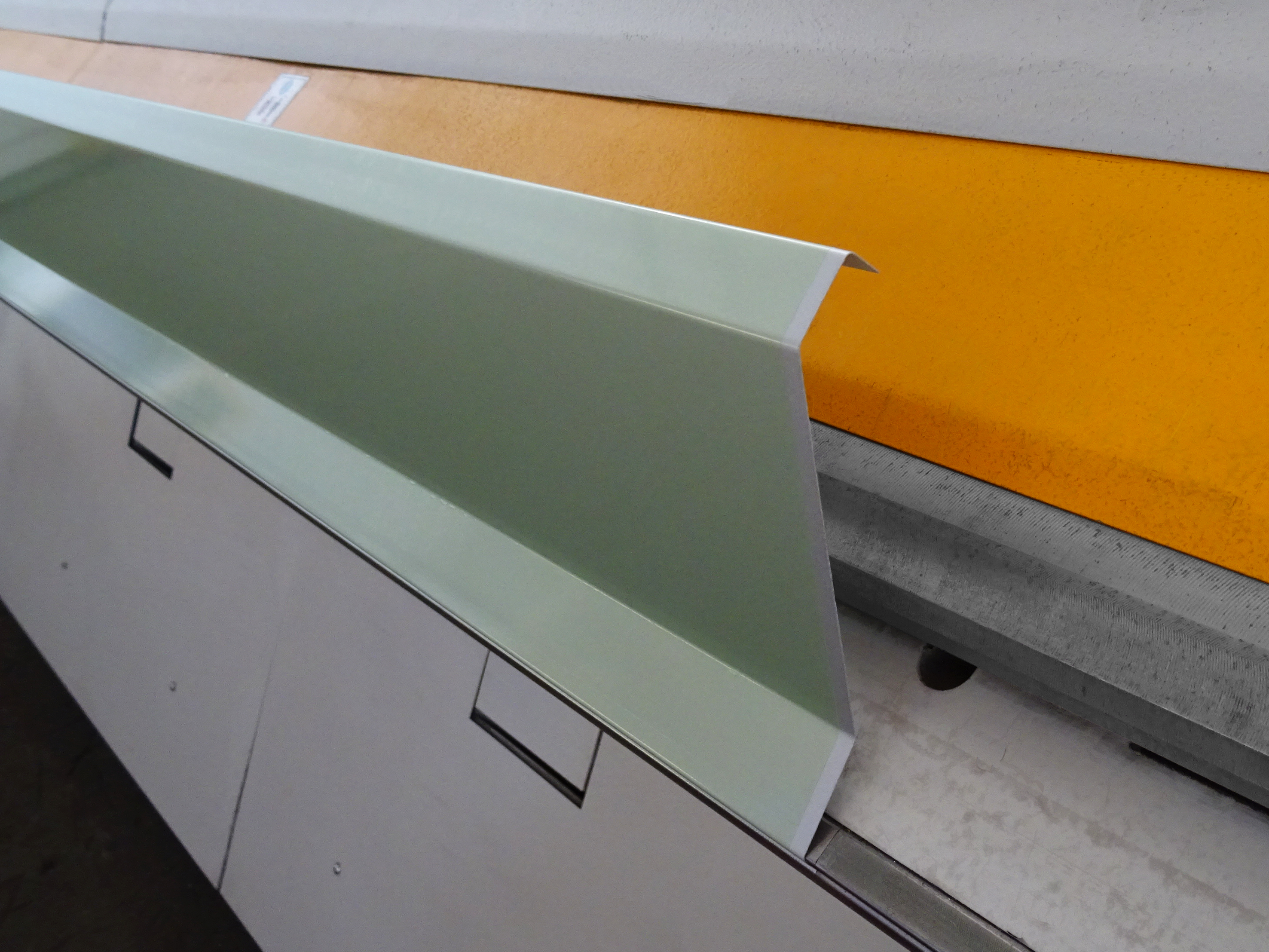 Automatic bending of a flashing by the XXL-Center
