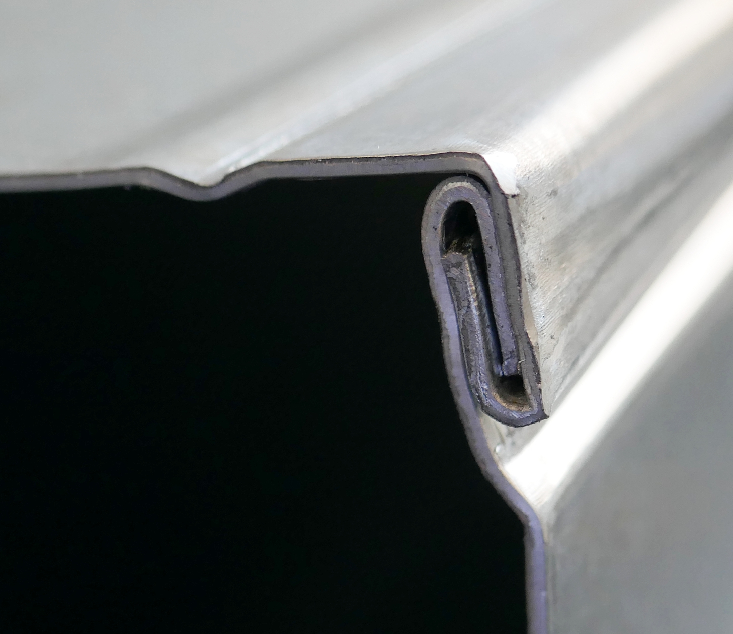 Duct seam on a 0.8 mm sheet