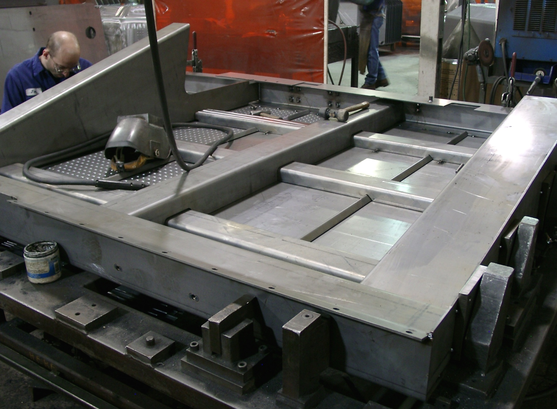 The platform as welding component consists of many folded parts
