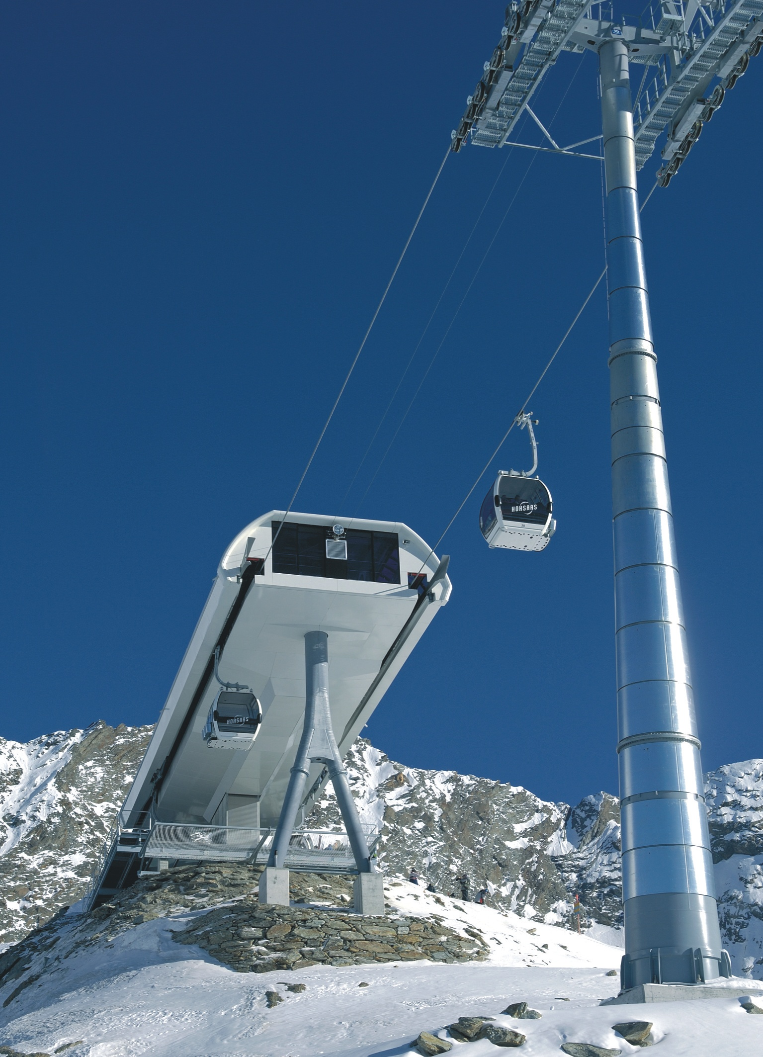 Salzmann produces facade panels for cable car stations